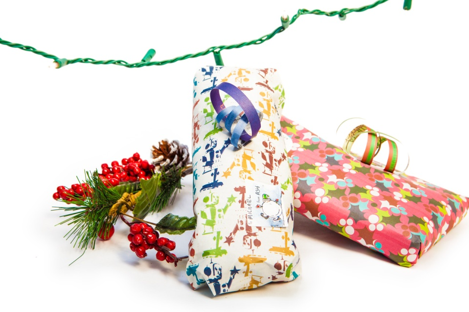 Presents-and-Bows_1